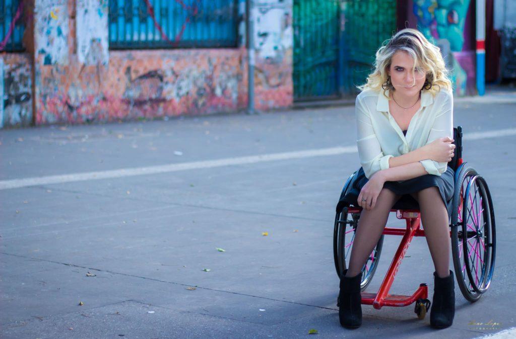 Cadeirante fotografada por Arno Lopes