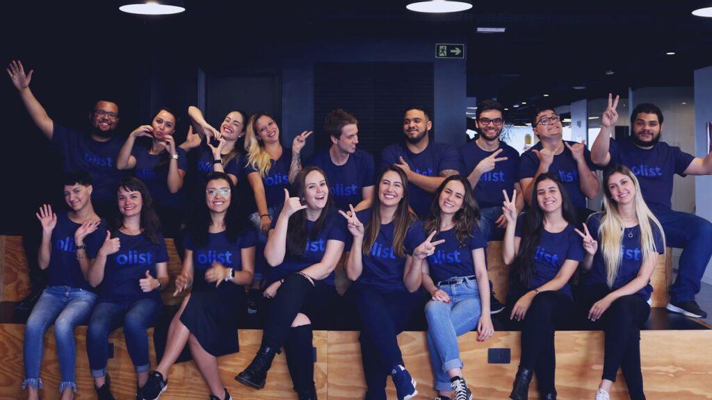 Fotografia da equipe para o texto Startup lança pesquisa de trabalho PcD