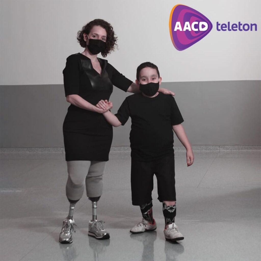 Foto de mãe e filho para AACD Teleton 2020 segue até virada de ano