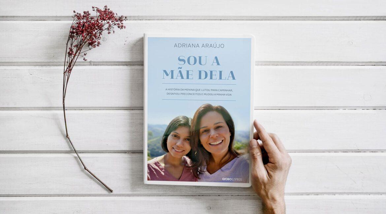 """Foto do livro editada para texto Globo lança """"Sou a mãe dela"""""""