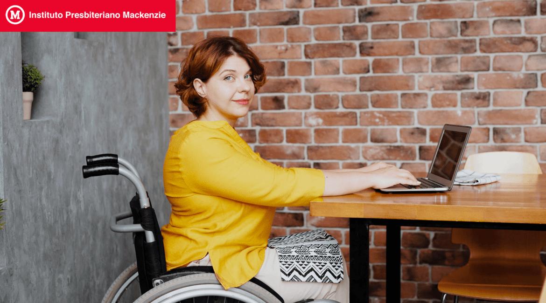 Mulher em cadeira de rodas para artigo Sociedade mais inclusiva: Entenda como fazer