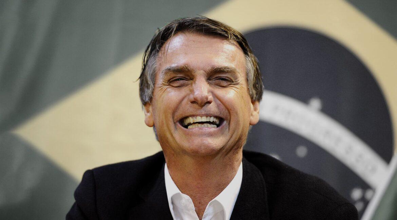Presidente do Brasil Jair Messias Bolsonaro restringe acesso ao BPC novamente
