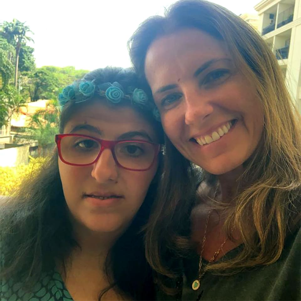 Flavia Piza com a filha Projeto Lacos