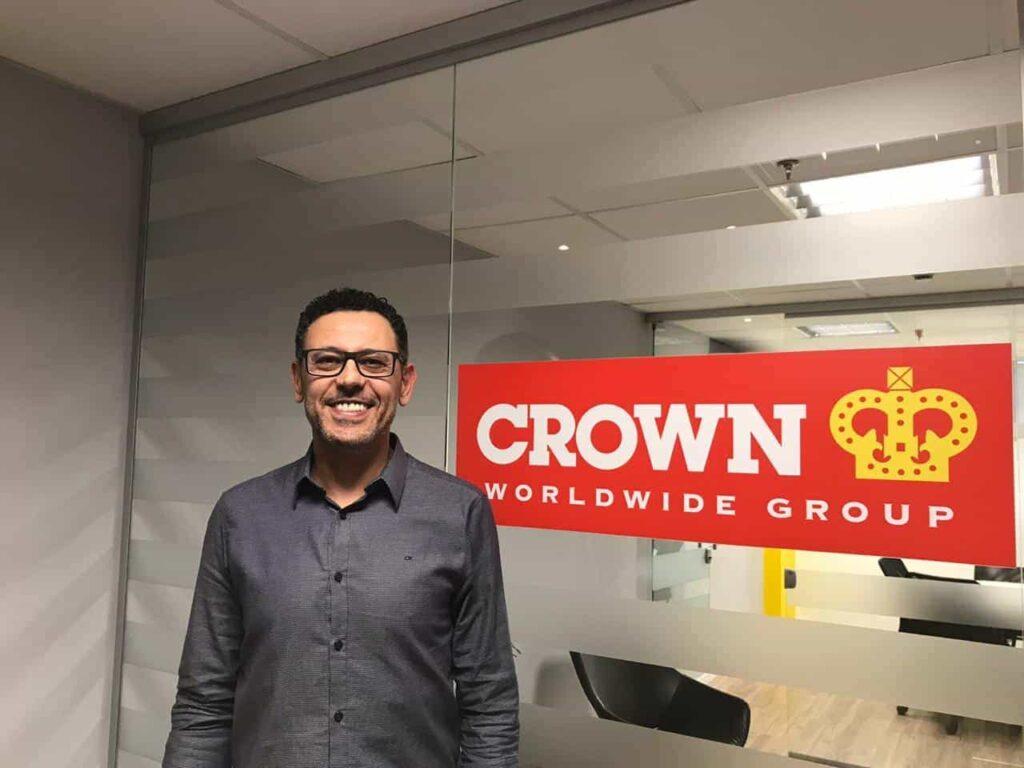Haroldo Modesto, da Crown World Mobility no Brasil, descrito na legenda.