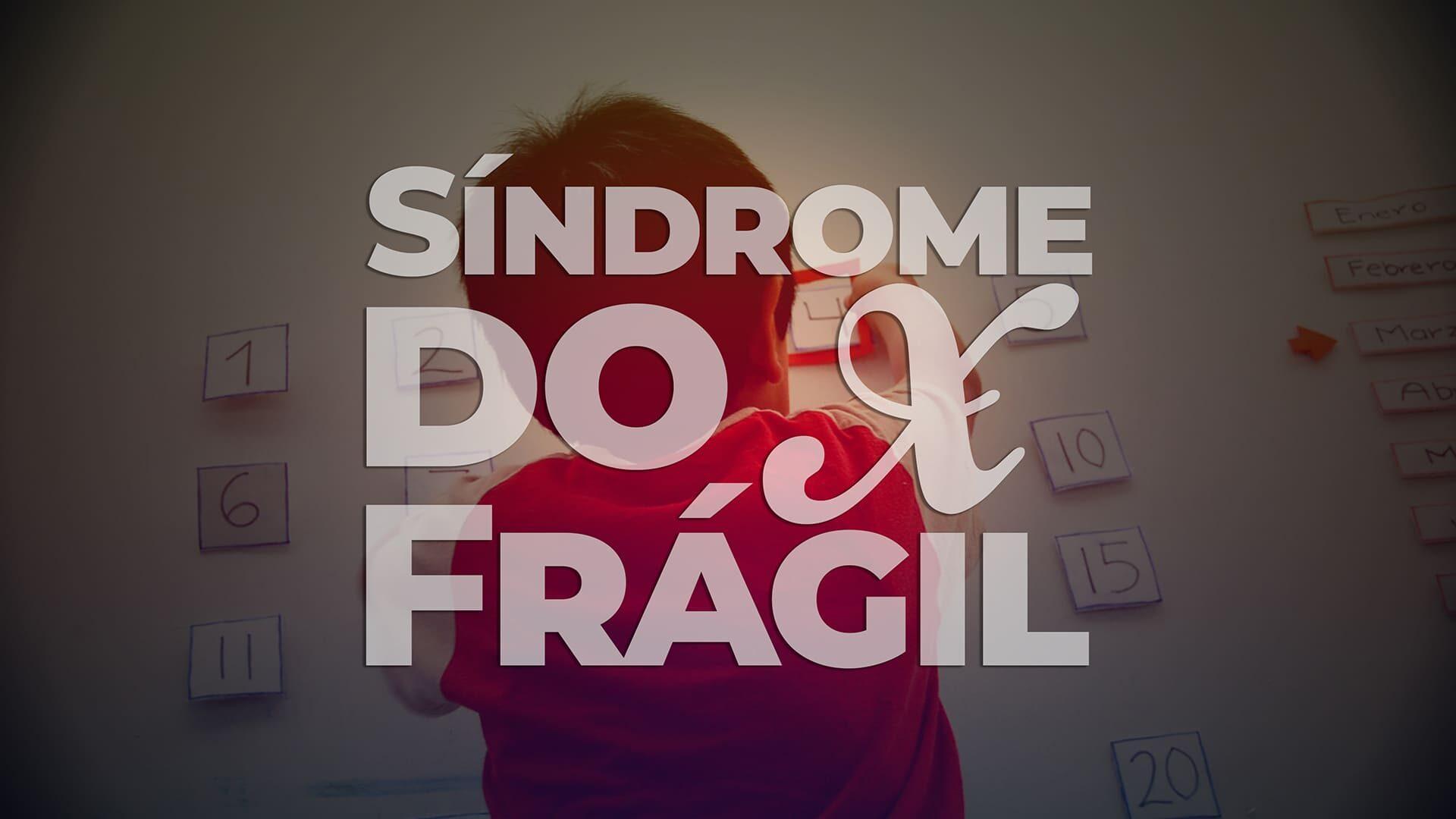 Fotografia de uma criança, de costas, ilustrando o Dia Mundial da Síndrome do X Frágil 2021. Descrição na legenda,