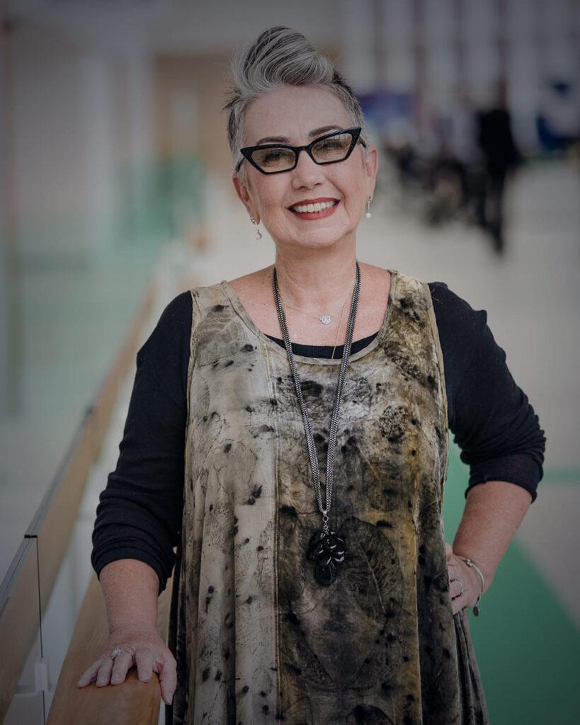 Fotografia da Claudia Werneck, fundadora e superintendente da Escola de Gente.