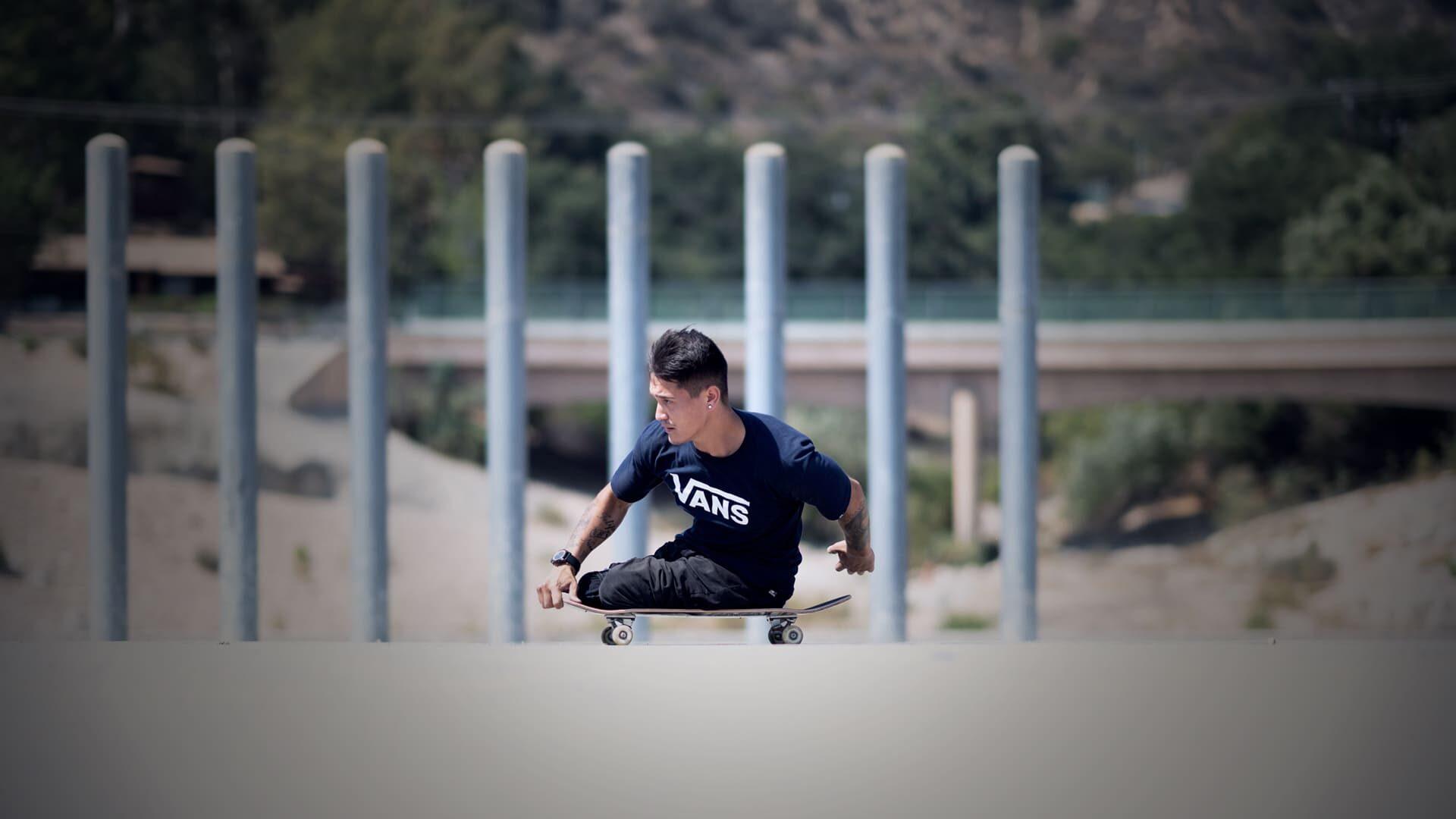 Fotografia do skatista brasileiro bi-amputado, Felipe Nunes. Descrição na legenda.