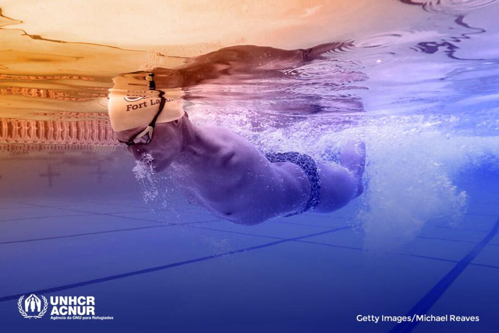 Fotografia de Abbas Karimi, nadador refugiado afegão. ACNUR - Créditos: Getty Images/Michael Reaves/Editada