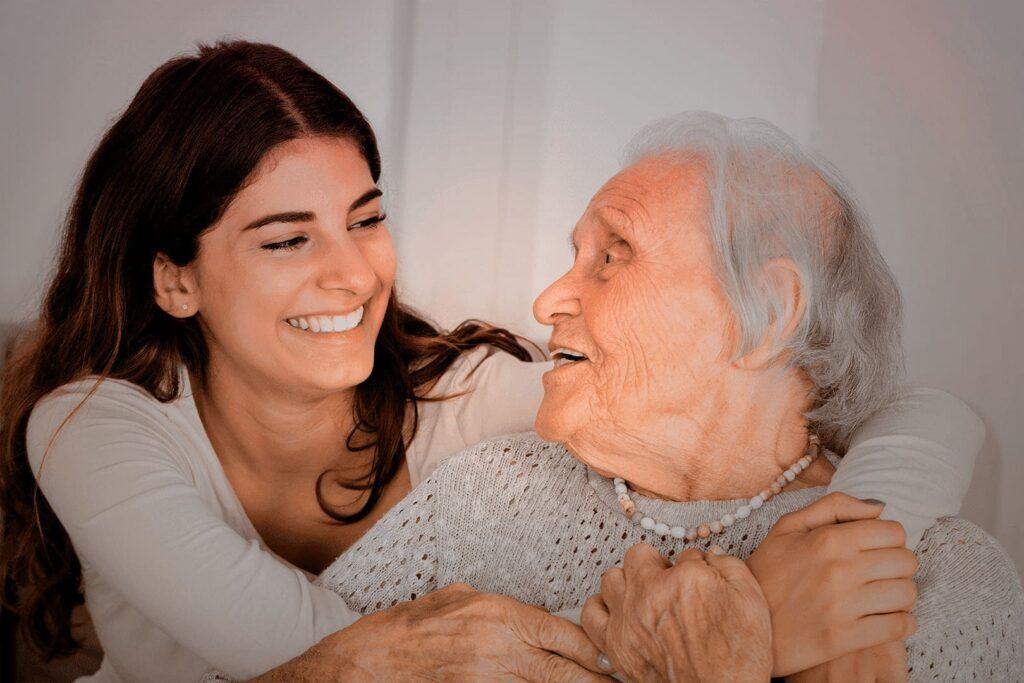 Idosa com Esclerose Multipla 2021
