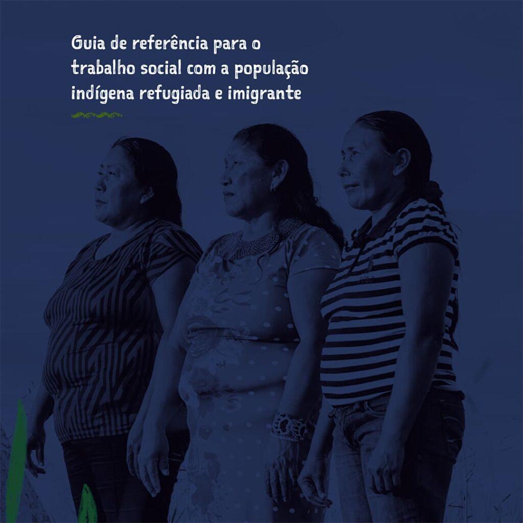 Foto de três mulheres indígenas, com filtro azul escuro e sobreposição de texto, descritos abaixo.